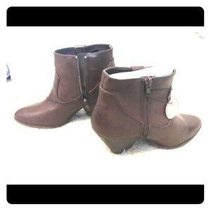 Brown vintage booties